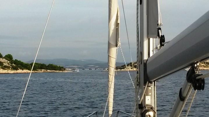 Einfahrt zur Marina Tribunj
