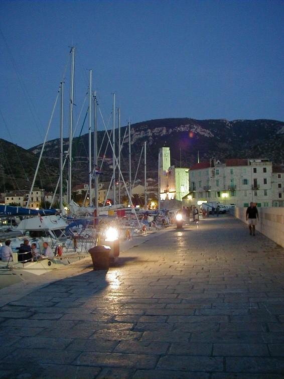 Der Hafen von Komiza