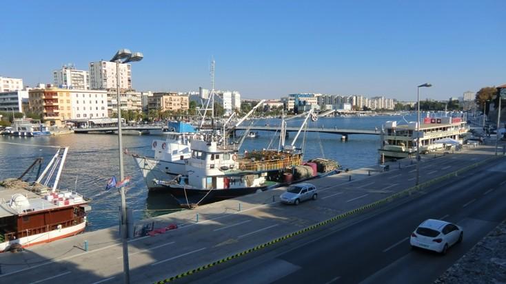 Der Stadthafen von Zadar
