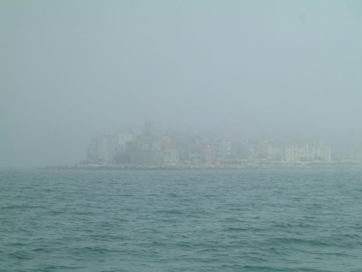 Piran in der Nebelsuppe