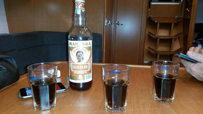 Rum ...