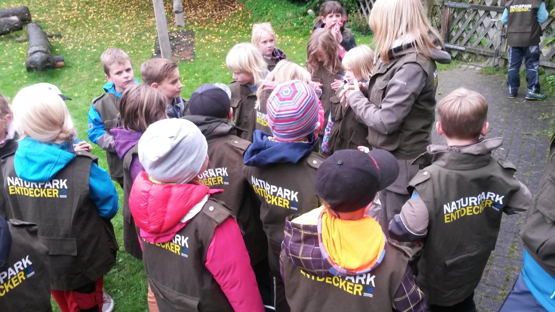 Klasse 2 mit der Naturparkexpertin Frau Vellmer