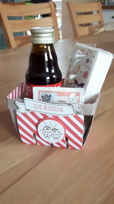 Zu Verkaufen: Gute-Besserungs-Kit für Kinder - Inhalt: Kinder-Em-Eukal, Rotbäckchen-Saft, ein Beutel Kinder-Husten-Tee, 1 Packung Eulen oder Pinguin-Taschentücher