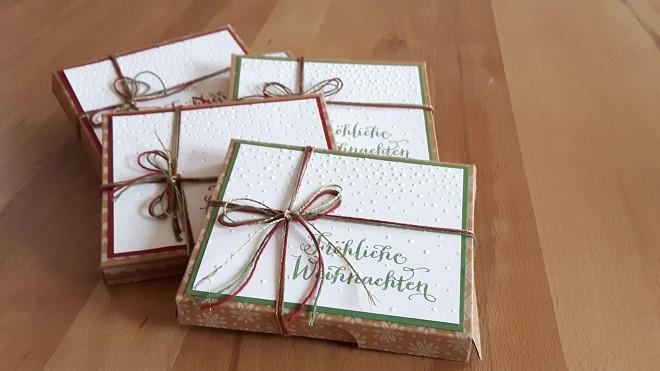 Zu Verkaufen: Ritter Sport Weihnachtsschokoladen schön verpackt - rot: weiße Zimt Crisp, grün: gebrannte Mandeln