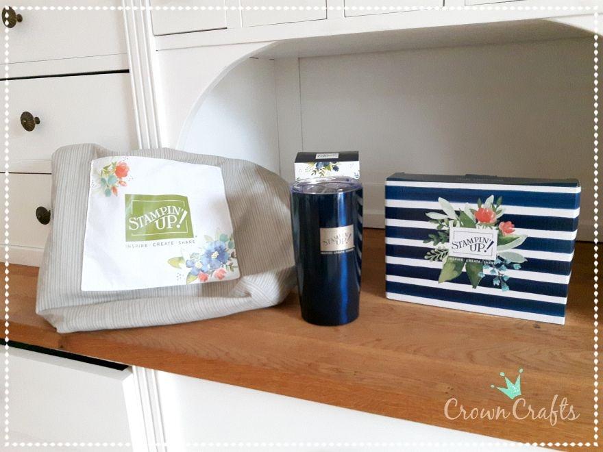 Die wunderschöne neue Stampin' Up Tasche und ihr Inhalt: ein Coffee-to-go-Becher und eine Überraschung, die du auf dem nächsten Bild siehst - beides in wunderschönen Boxen.