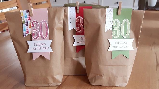 Zu Verkaufen: Die 30-Minuten-nur-für-Dich-Tüte! Inhalt: 1x Rotkäppchen-Frucht-Secco, 1x Schaumbad, 1x Kerze