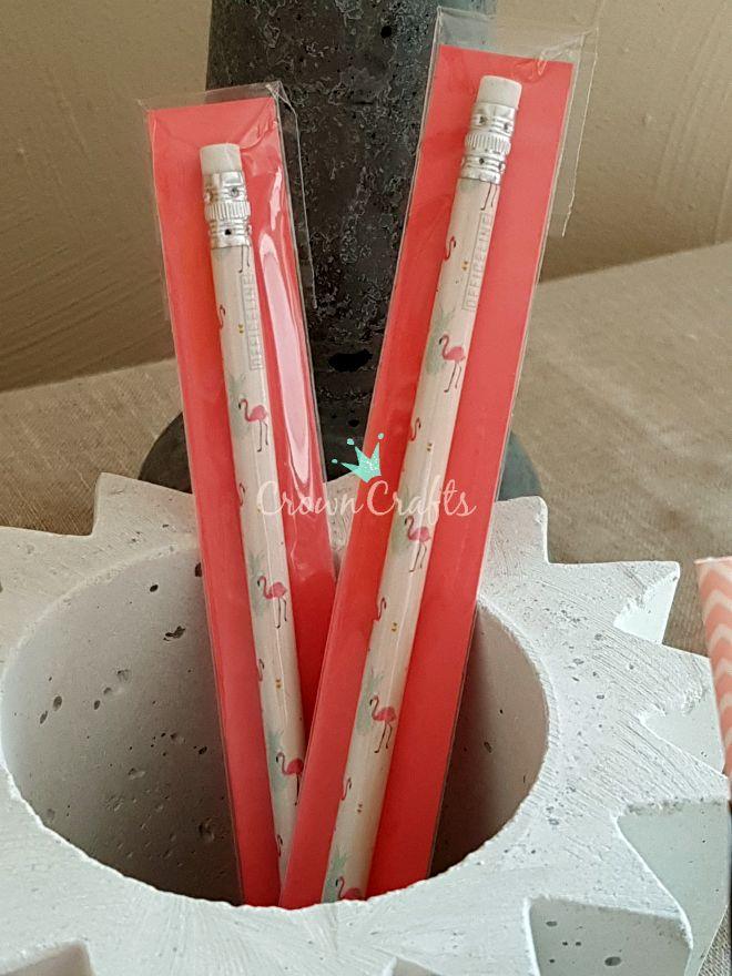... und die noch nicht verschenkten Bleistift - ja, alles mit Flamingos!