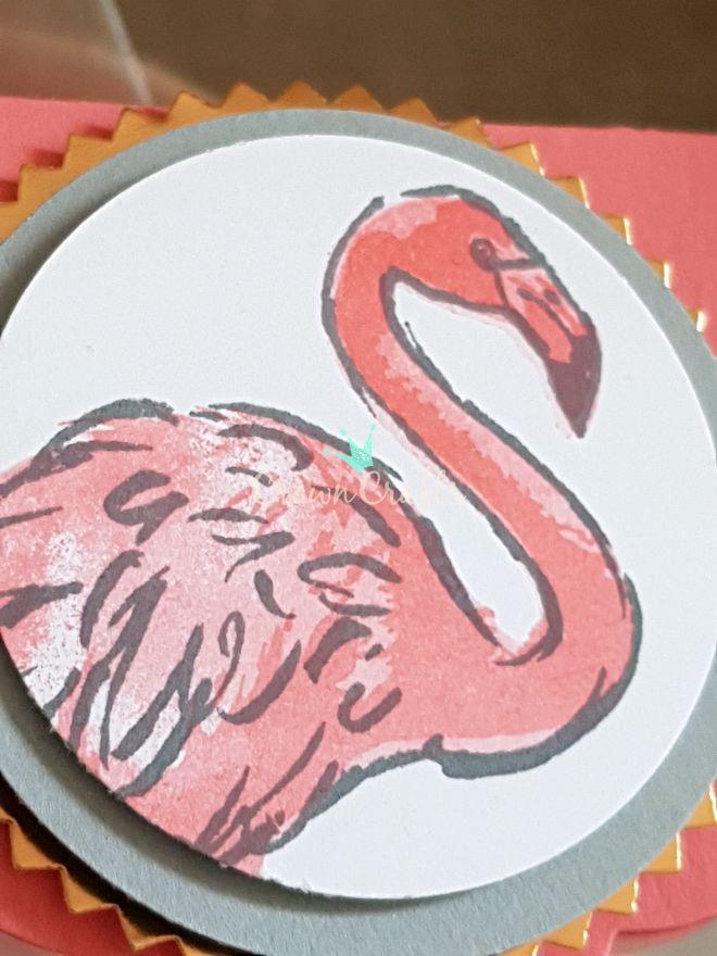 3. Variante, Umrandung Schiefergrau, flächige Füllung Flamingorot - einmal vorher abgestempelt, Akzente Flamingorot...