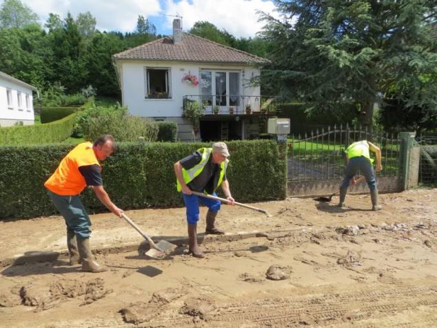Nettoyage de la voirie à St Aubin sur Scie - 2014