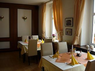 Frühstücksraum und Gastraum Hotel Krone Lindow