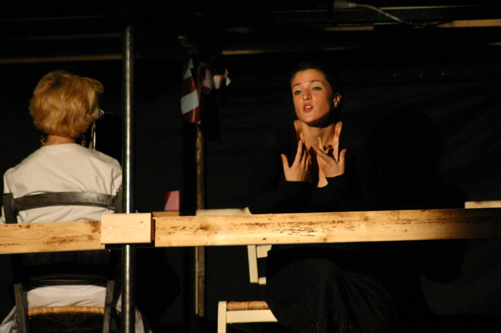 """Maggio 2007 - Teatro del Parco Tiburtino """"El Abanico""""(""""Il Ventaglio"""") : Lucilla Landi ed Elisa Giovannetti"""