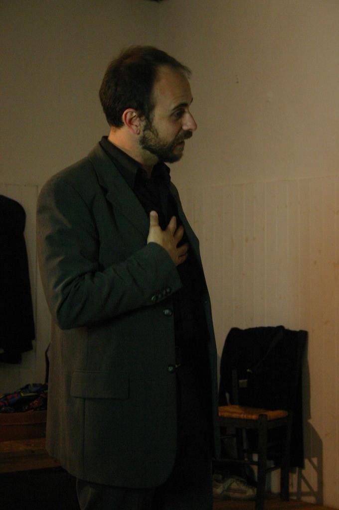 """Maggio 2009 - Backstage """"IL GIARDINO DEI CILIEGI"""" nella Sala Prove di Ciak'84: Stefano Augeri"""