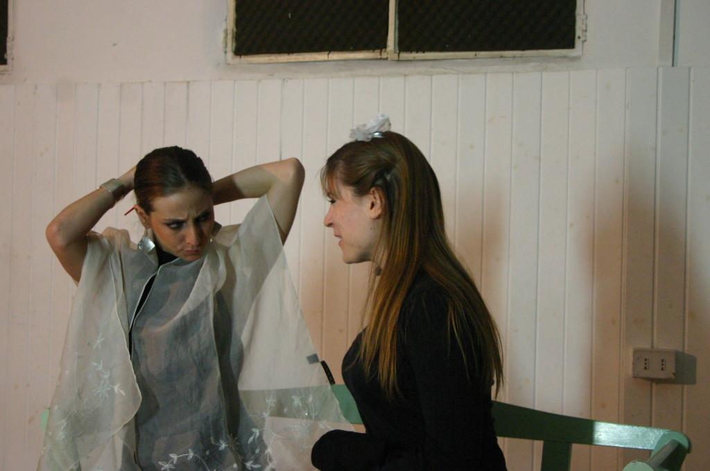 """Maggio 2009 - Backstage """"IL GIARDINO DEI CILIEGI"""" nella Sala Prove di Ciak'84 : Giorgia Serrao ed Elena Cascelli"""