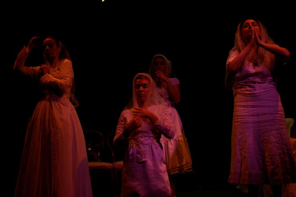 """""""Donna Rosita"""" di F.G.Lorca. Teatro Agorà, Ottobre 2010. Regia di Carla Aversa"""