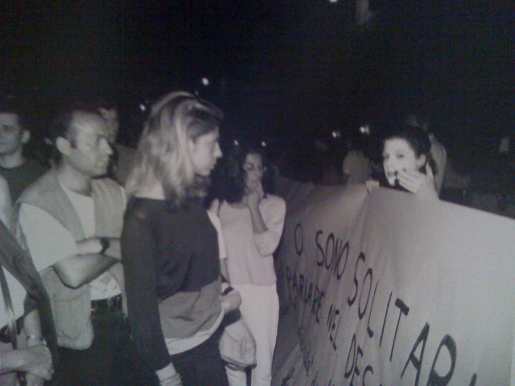 Luglio 1996 - Performance finale , all'Estate Romana in Piazza Campo de Fiori, del Seminario di Happening e Performance tenuto da Massimiliano Milesi.