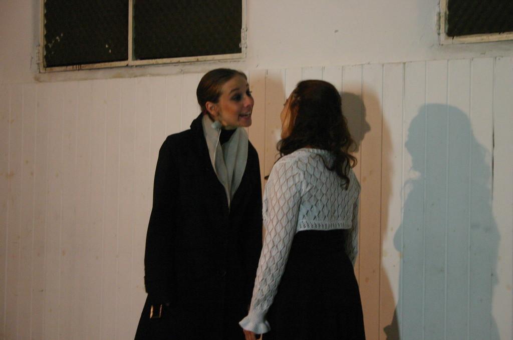 """Maggio 2009 - Backstage """"IL GIARDINO DEI CILIEGI"""" nella Sala Prove di Ciak'84 : Giorgia Serrao, Carla Aversa"""