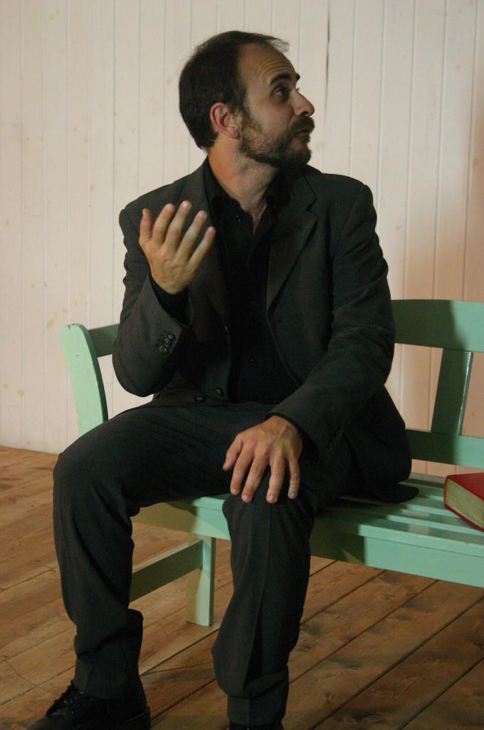 """Maggio 2009 - Backstage """"IL GIARDINO DEI CILIEGI"""" nella Sala Prove di Ciak'84 : Stefano Augeri"""