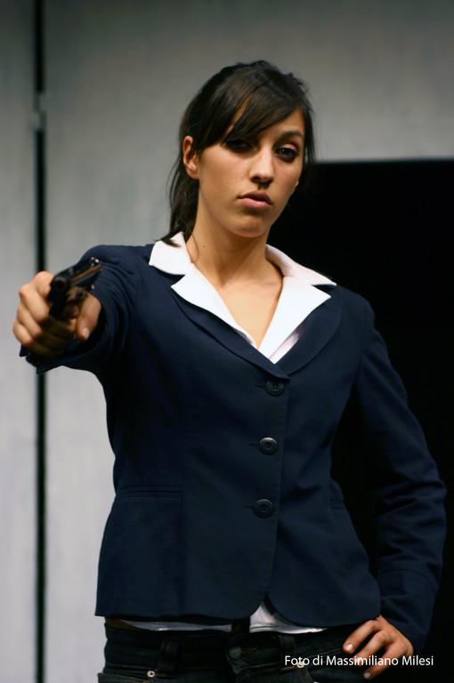 """Ottobre 2008 - Teatro AGORA' """"Due Volte al Mese....IVA Esclusa"""" Testo e Regia di M.Milesi, Coreografie di Carla Aversa : Claudia Mastrandrea"""