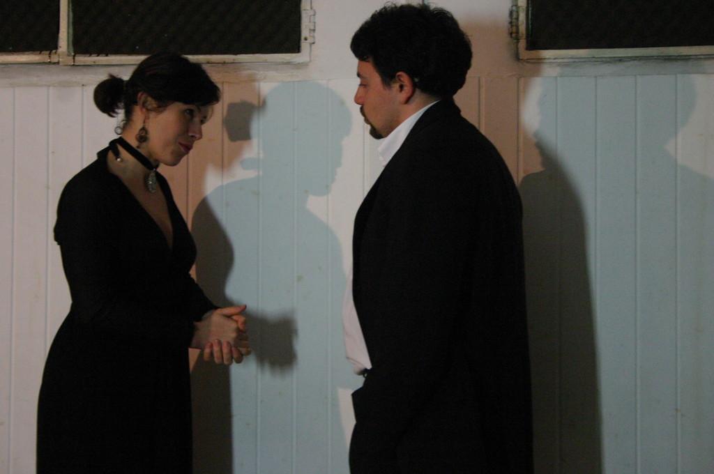 """Maggio 2009 - Backstage """"IL GIARDINO DEI CILIEGI"""" nella Sala Prove di Ciak'84 :  Maria Grazia Manzotti, Michele Botrugno"""
