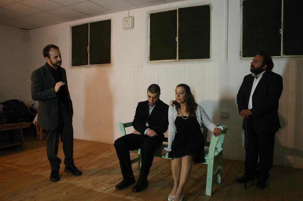 """Maggio 2009 - Backstage """"IL GIARDINO DEI CILIEGI"""" nella Sala Prove di Ciak'84 : Stefano Augeri, Fabio Margiotta, Carla Aversa, MIchele Botrugno"""