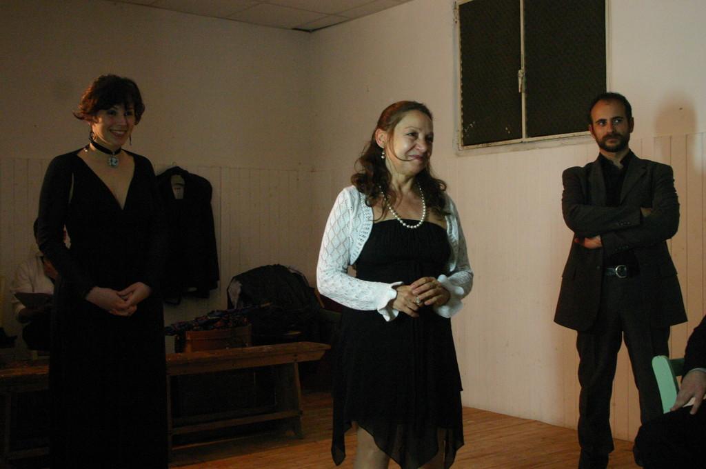 """Maggio 2009 - Backstage """"IL GIARDINO DEI CILIEGI"""" nella Sala Prove di Ciak'84 :Maria Grazia Manzotti, Carla Aversa, Stefano Augeri"""
