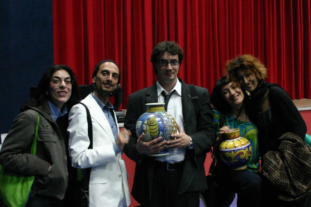 """Aprile 2006 - La Compagnia Enter Vince il Premio Nazionale """"Salvo Randone"""" con DON CHISCIOTTE , andato già in Scena nel 1998 e 2000 con la Compagnia SEQUENZE della Permis De Conduire"""