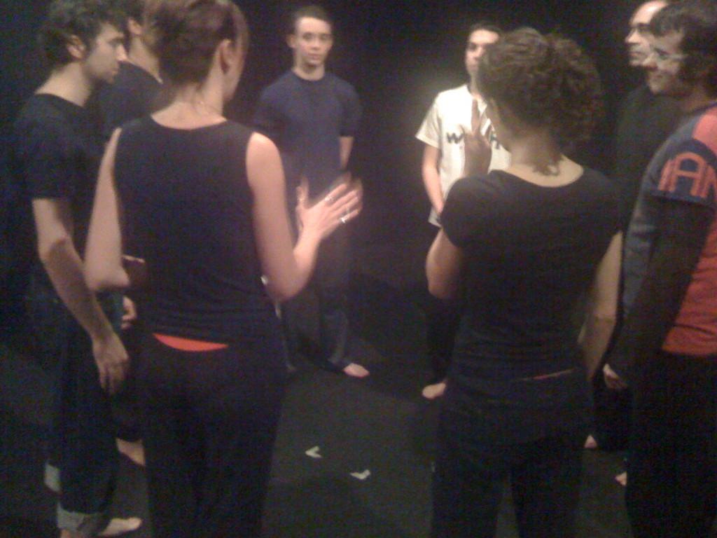Lezione di Tecniche del Coro Neutro con Serena De Simone ed un Gruppo di Allievi di Corso Avanzato al Teatro Agorà