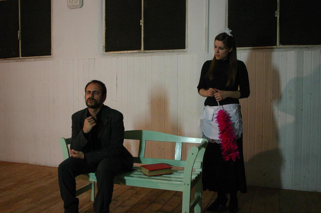 """Maggio 2009 - Backstage """"IL GIARDINO DEI CILIEGI"""" nella Sala Prove di Ciak'84 : Stefano Augeri, Elena Cascelli"""