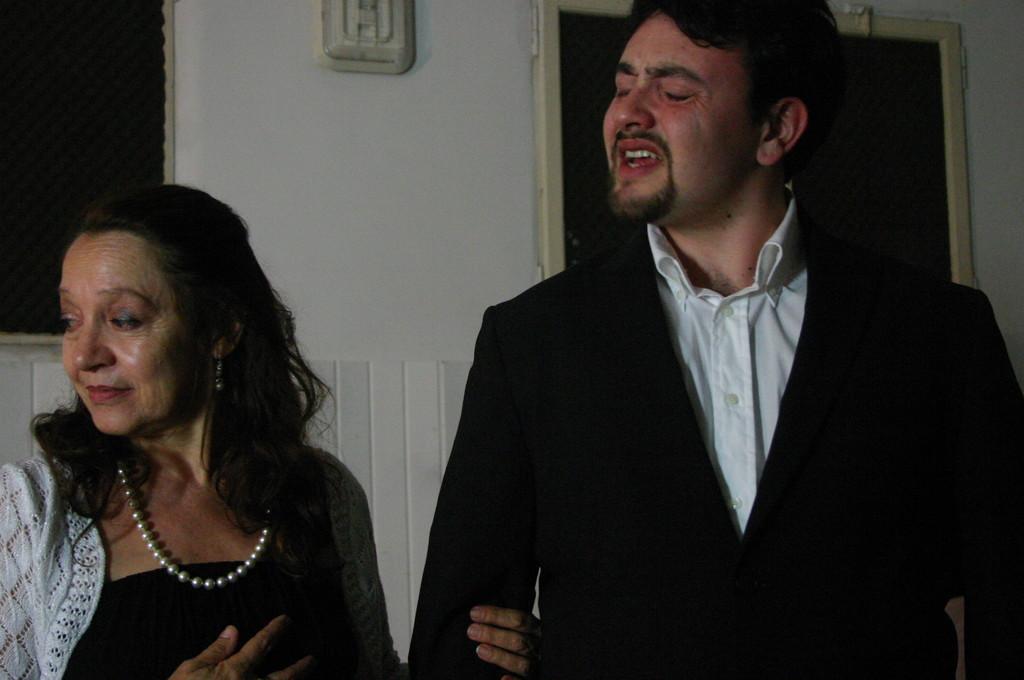 """Maggio 2009 - Backstage """"IL GIARDINO DEI CILIEGI"""" nella Sala Prove di Ciak'84 : Carla Aversa e Michele Botrugno"""