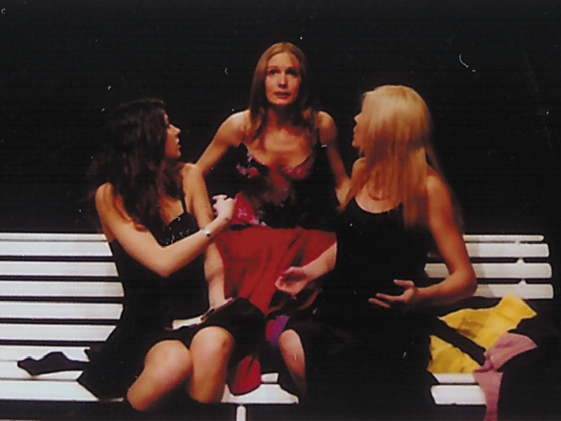 """Febbraio 2004 - Teatro AGORA' """"La Stanza dei Cappotti"""" di Milesi&Canestrari"""