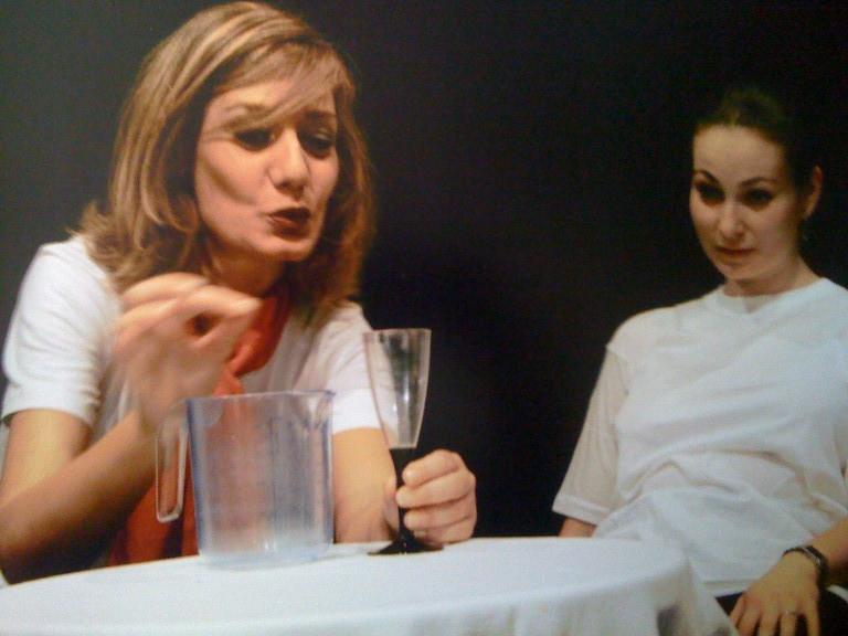 """Giugno 2004 -Teatro AGORA' Saggio """"Icaro...dove sei?"""" Allievi Primo Anno"""