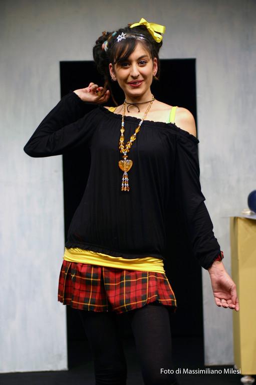 """Ottobre 2008 - Teatro AGORA' """"Due Volte al Mese....IVA Esclusa"""" Testo e Regia di M.Milesi, Coreografie di Carla Aversa : Sheyda Cherkat"""