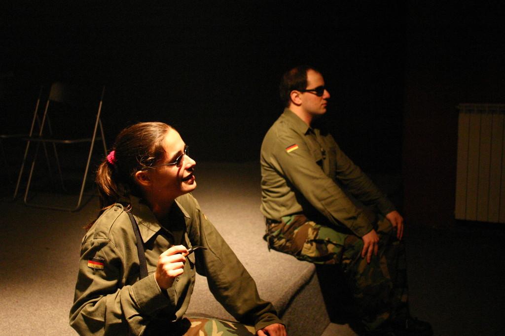 """Ottobre 2004 - Teatro AGORA'  lo Spettacolo """"PLASTICA"""" di M.Milesi, Regia di Luca Milesi"""