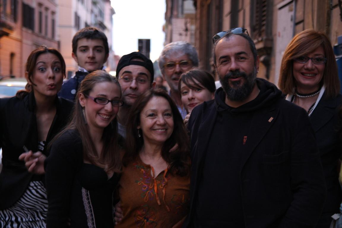 """Febbraio 2009- Foto di Gruppo di """"Tuo Affezionatissimo Cechov"""" davanti al Teatro Elettra"""