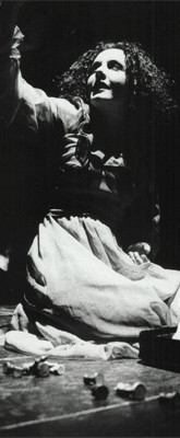 Maggio 1999 - Manuela Di Salvia nel Monologo del Re Nero. EXILAGAMEMNON di SEQUENZE