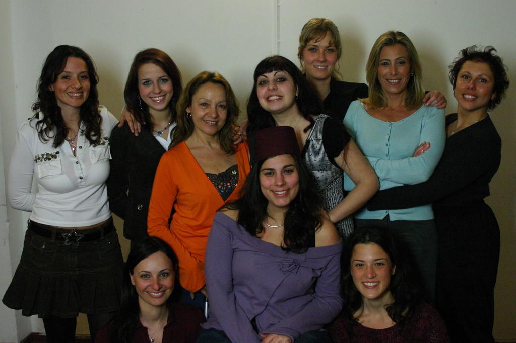 """Maggio 2006 - Foto di Gruppo Cast 2 """"L'Impresario delle Smirne"""""""