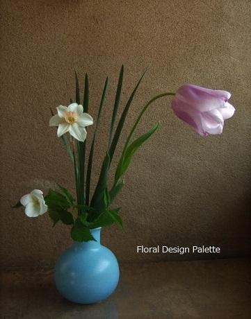 チューリップとミニ水仙と白山吹の花あしらい