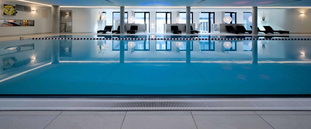 Pool im body + soul Center, München - Nord