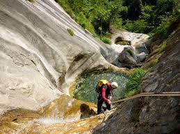 Canyoning Vallée d'Ossau - www.le-refuge-des-marmottes.com