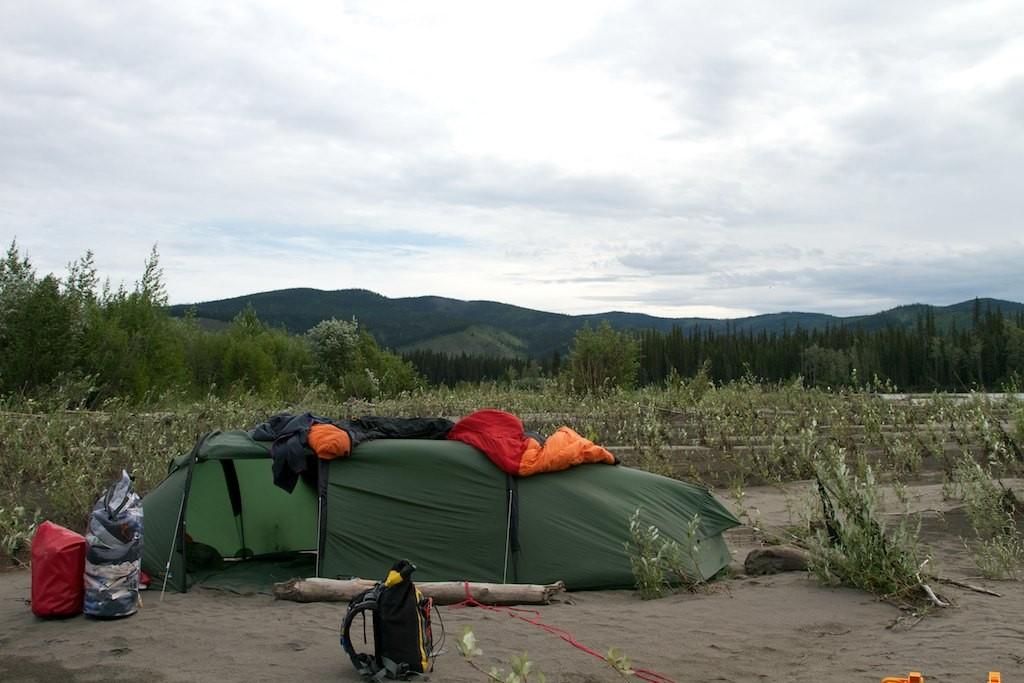 Unsere Camp in der letzten Nacht, etwas schlammig...
