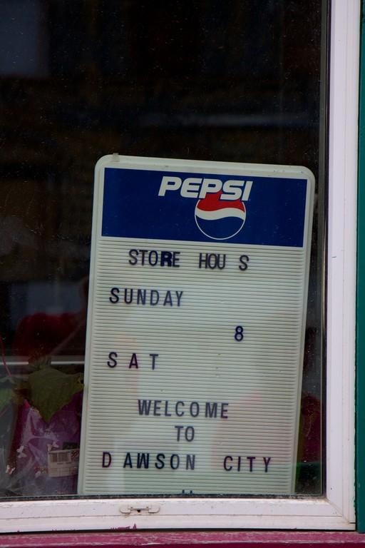 Öffnungszeiten des General-Stores: Jeden Sonntag bei 8 Satelliten. Herzlich willkommen!