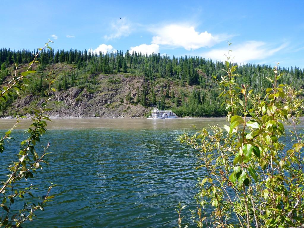Yukon Queen, ein Pseud-Raddampfer für die Touristen.