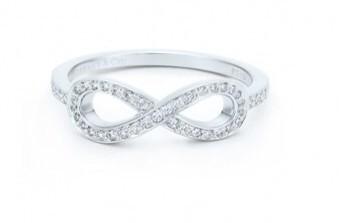Anello argento infinito e zirconi