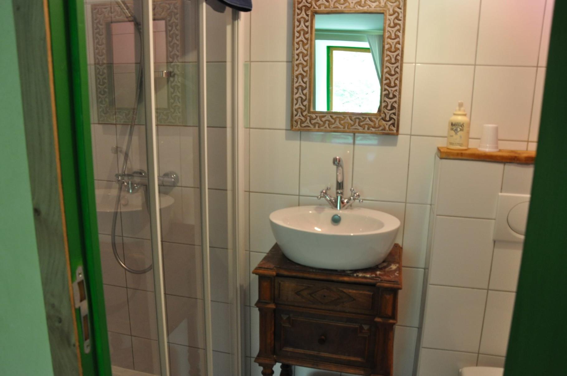 Salle de bain chambre Printemps.