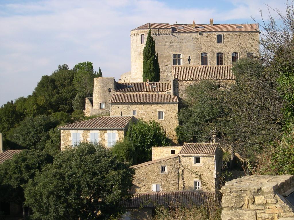 Le chateau de Vénéjan