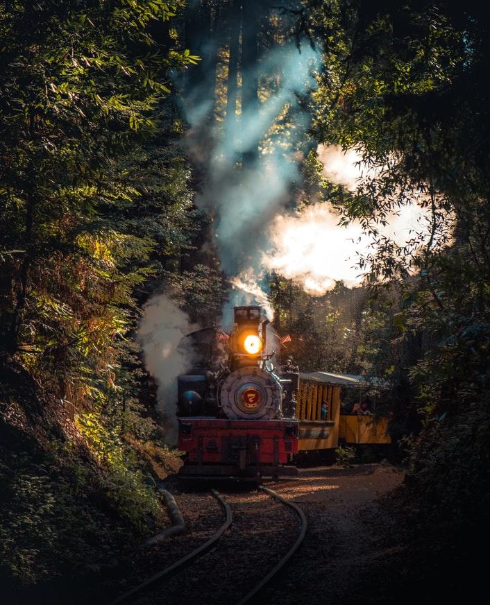 En 2021, ne regardons pas les trains passer, embarquons et profitons !