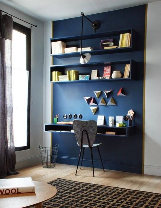 Marianne Evenou, bureau, couleur, bleu, étagères et bureau intégrés