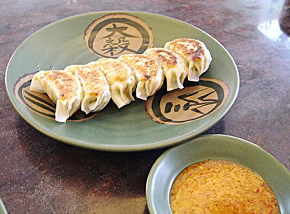 日本で食べるままのラーメン。日本でならわざわざ行かない程度だが「日本のまま」が食べられるタイでは貴重