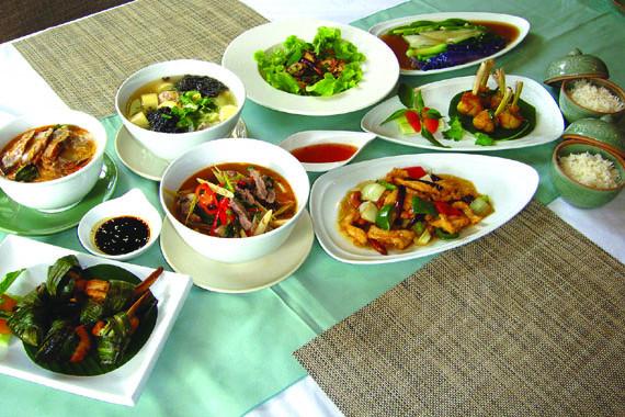 タニヤのタイ料理店「カウホム」の料理の数々