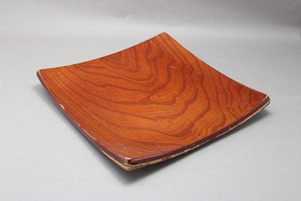 合板で作られた盛皿の修理